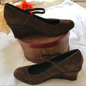 🛍CHAPS Brown Suede Leather Upper Wedges